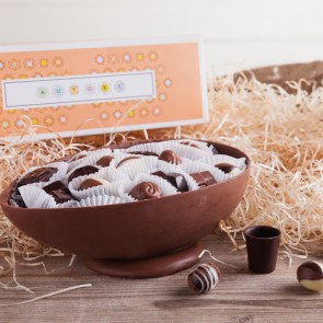 Milk Chocolate Easter Egg With Pralines